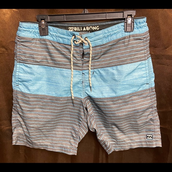 Billabong Lo Tide Board Shorts/Swim Trunks